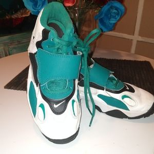 Nike basketball shoes as 4.5Y